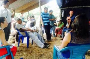 Presidente de La República, Luís Guillermo Solís, se reunió con líderes indígenas en Salitre