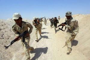 Estado Islámico instó a sus seguidores a que ataquen a ciudadanos de Estados Unidos, Francia y otros países que se han sumado a una coalición para luchar contra el grupo extremista, dijo el lunes la página web SITE. En la imagen, combatientes chiíes que se han unido al ejército iraquí para luchar contra EI, en un entrenamiento en Nayaf, Irak, el 16 de septiembre de 2014. REUTERS
