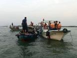 AL MENOS 8 MUERTOS EN EL NAUFRAGIO DE UN BARCO CON 200 PERSONAS EN BANGLADESH