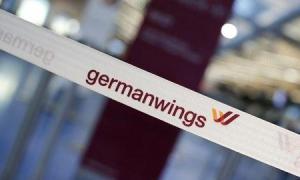 Un avión Airbus operado por Germanwings, unidad de Lufthansa , se estrelló en el sur de Francia el martes cuando cubría la ruta entre Barcelona y Düsseldorf, informó la policía y responsables oficiales de aviación. En la imagen, el logo de Germanwings en el aeropuerto de Berlín en 12 de febrero de 2015. REUTERS/